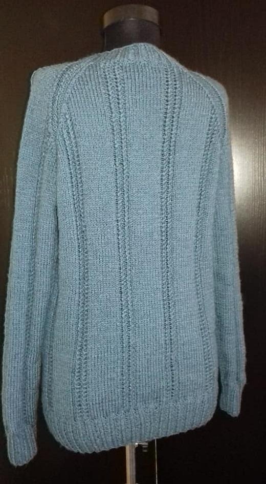Kötött férfi pulóver, de a nők se vethetik meg Kötés
